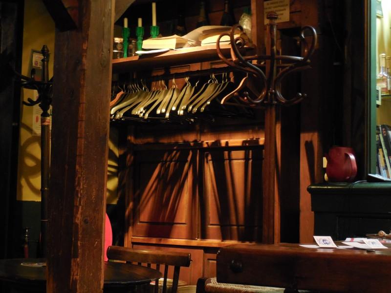 Hangertjes in restaurant De Admiraal, Herengracht